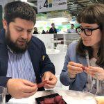 Degustatori ONAS (in professionale visibilio) presso lo stand Paganoni Bresaole a Tutto Food di Milano